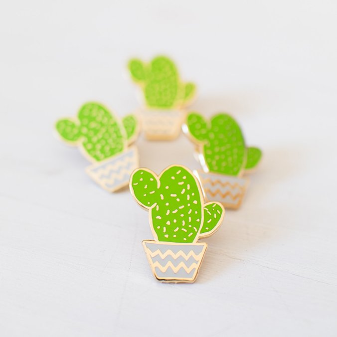 broche email cactus