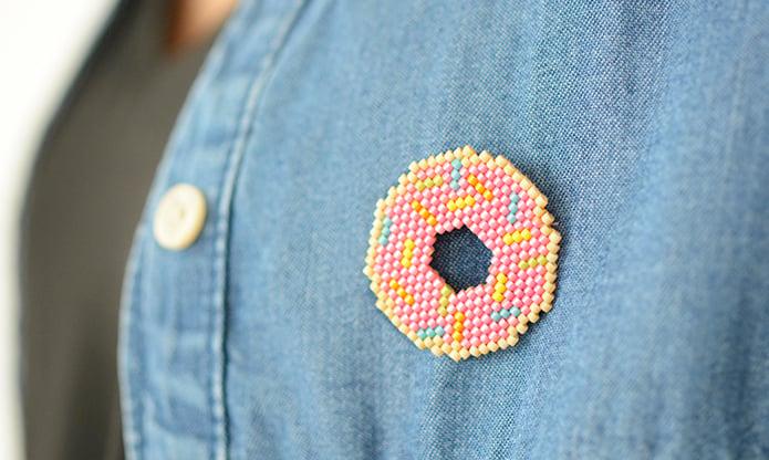 Broche donuts en perles miyuki