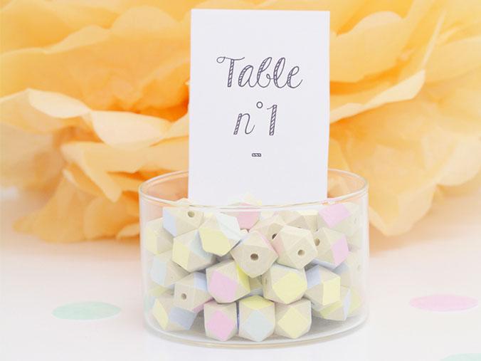 numéro de table perles en bois déco mariage