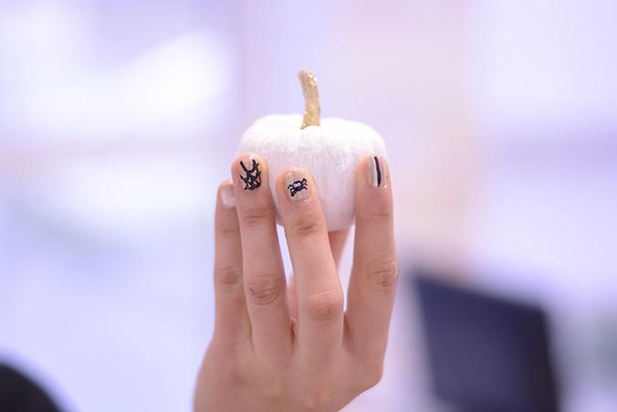 nail art halloween paillettes