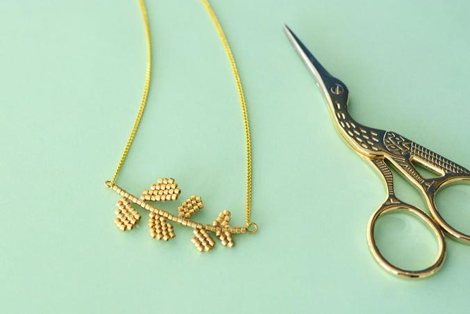 branche dorée miyuki collier