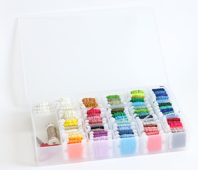 boite-cartonnettes-fil-broderie-couleurs
