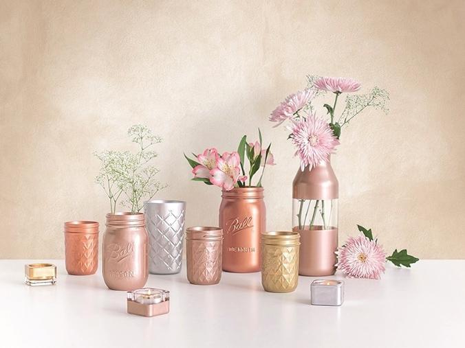 peinture-acrylique-aerosol-rose-gold-vase